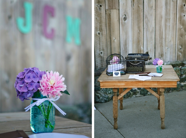 Vintage typewriter and bird cage at the Guest Book table